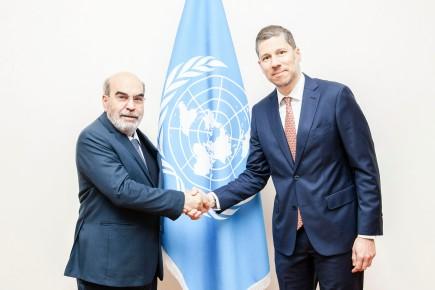 El Director General de la FAO José Graziano da Silva y el Embajador Mario Arvelo • FAO Director-General José Graziano da Silva and Ambassador Mario Arvelo