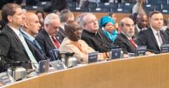 El Embajador Mario Arvelo en la conmemoración del Día Mundial de la Alimentación en la FAO, con el Presidente de Polonia Andrzej Duda a la derecha de la imagen • Ambassador Mario Arvelo at the commemoration of World Food Day at FAO, with Polish President Andrzej Duda on the right of the image